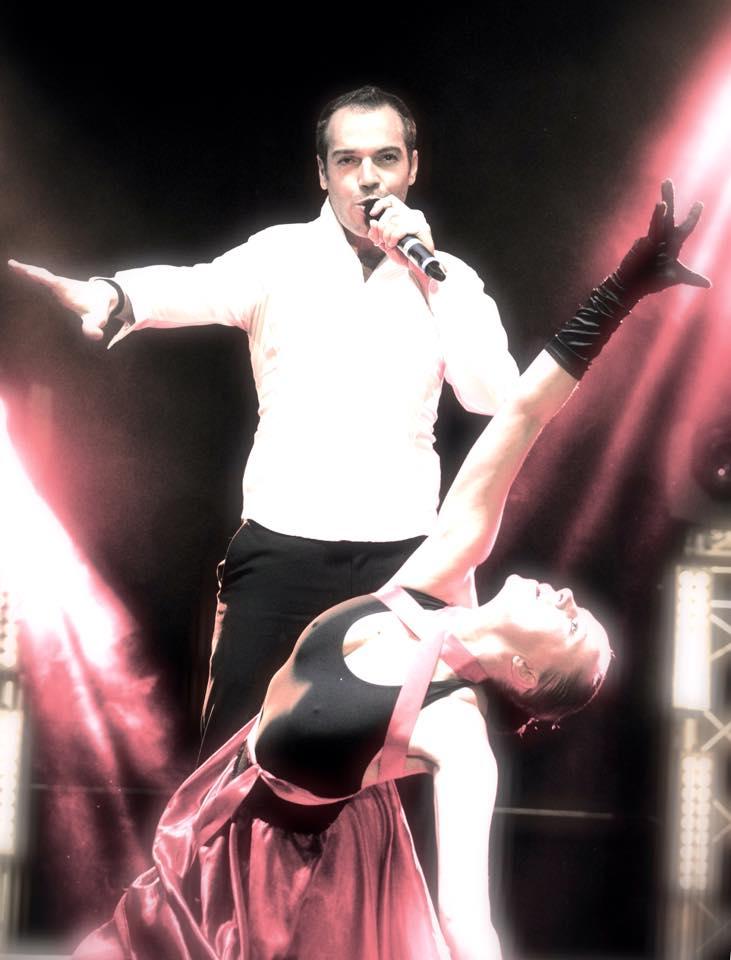 A la vie à l'amor, Aglaë Marcelin, Stephan Orciere, spectacle, chant, danse, Starmania, Le Monde est Stone, le Blues du Businessman, Le Sos d'un terrien en détresse, Brel, Aznavour, Police, Sia, Justin Timberlake, Bingo, Parce que ma vie c'est toi
